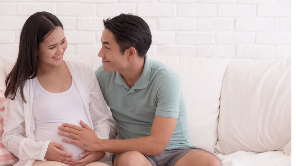 12 ways husbands can spoil their pregnant wives