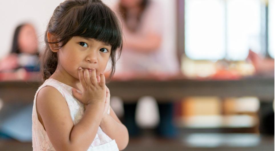 8 ways to raise a shy child