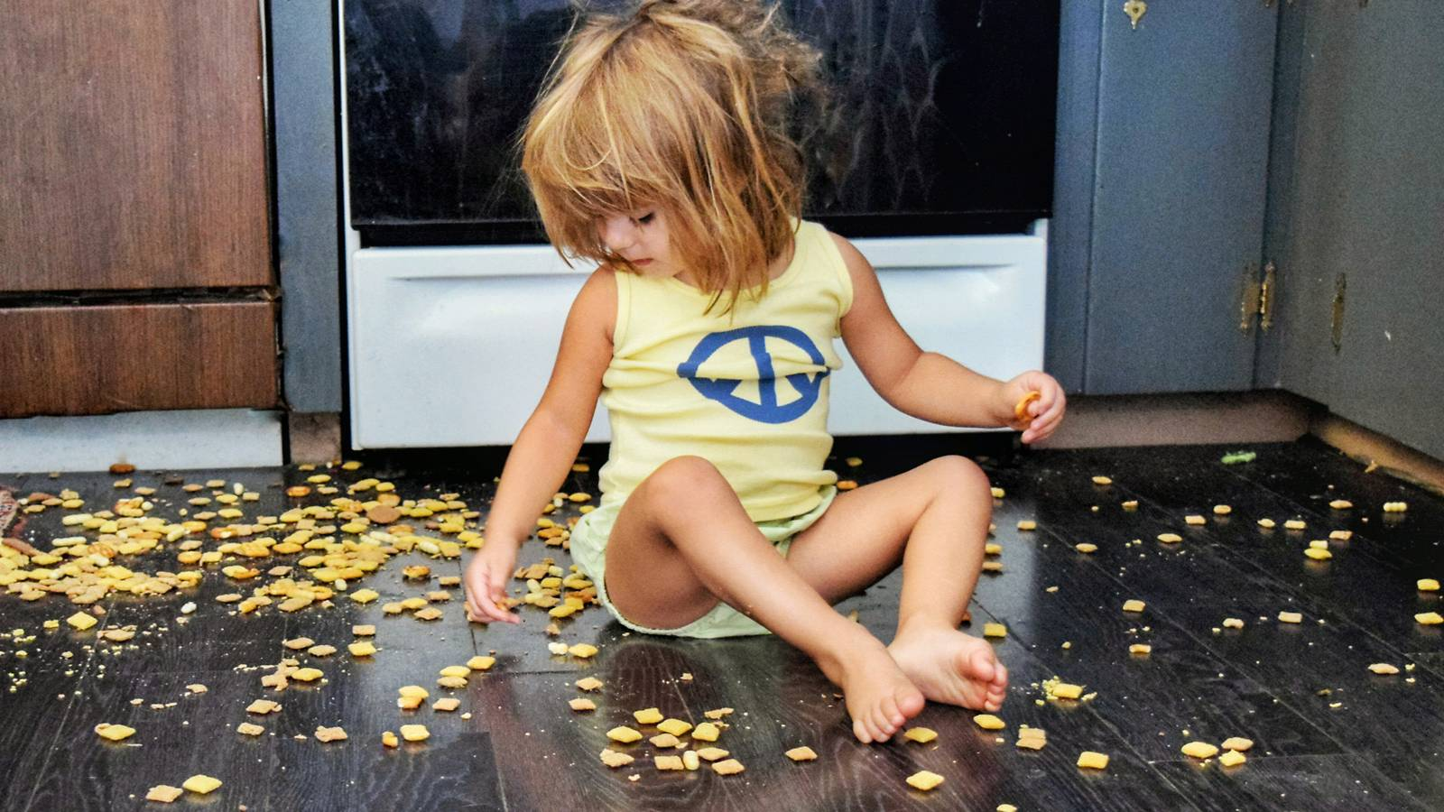 Tots-8-annoying-but-important-toddler-habits1
