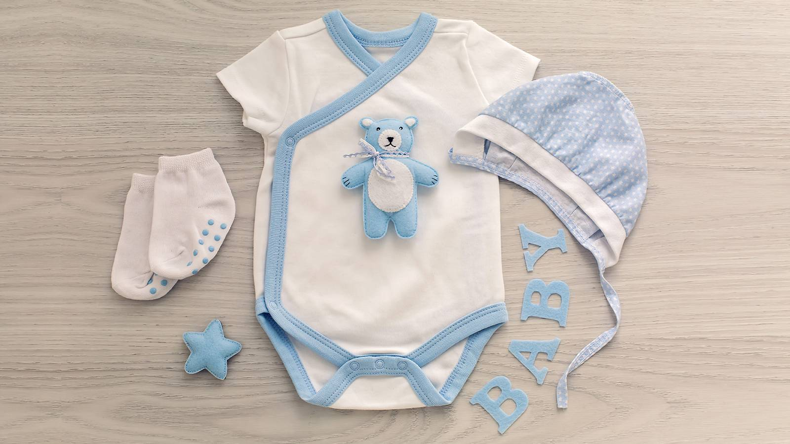 6 tips on buying clothes for your baby