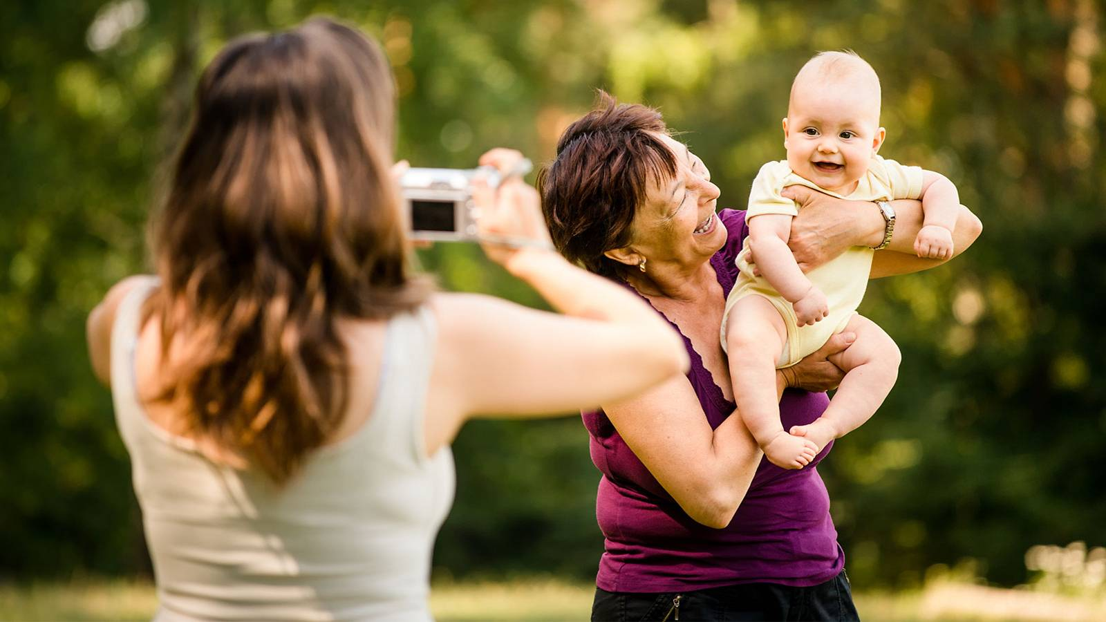 Babies-7-terrific-tips-for-capturing-perfect-shots-of-your-tot-[Infographic]-MAIN