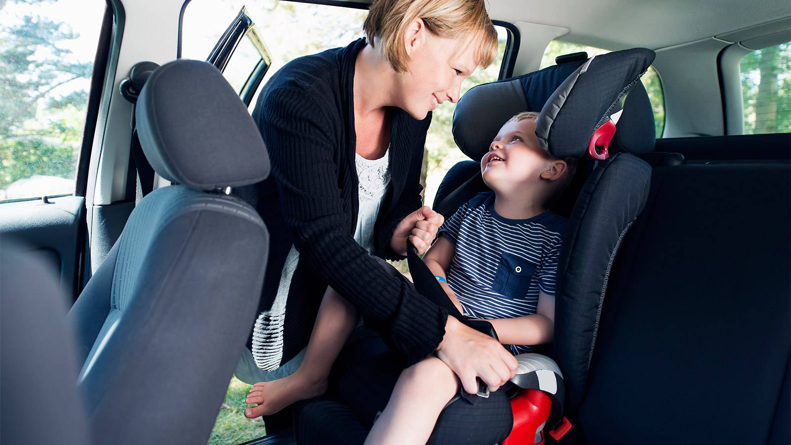 Tots-5-ways-to-keep-junior-in-the-car-seat