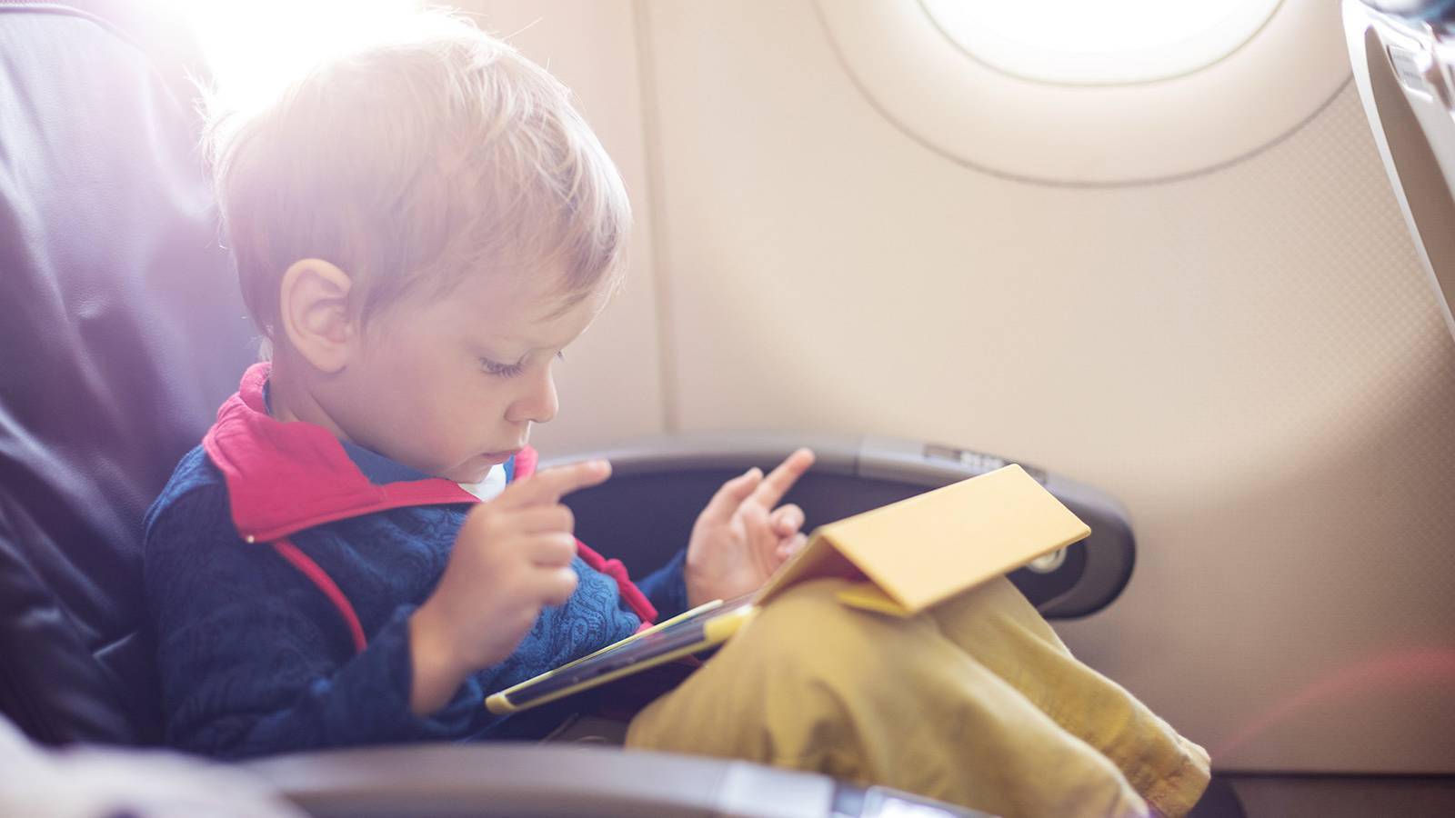 Babies-Track-your-baby's-milestones---Travelling3