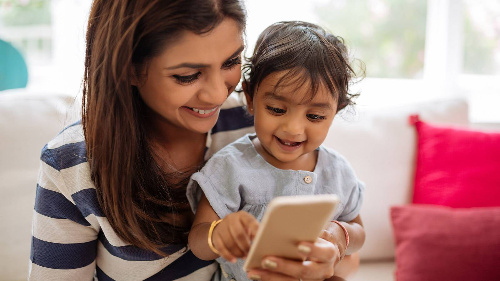 Parents-10-brilliant-ways-technology-makes-parenting-easier