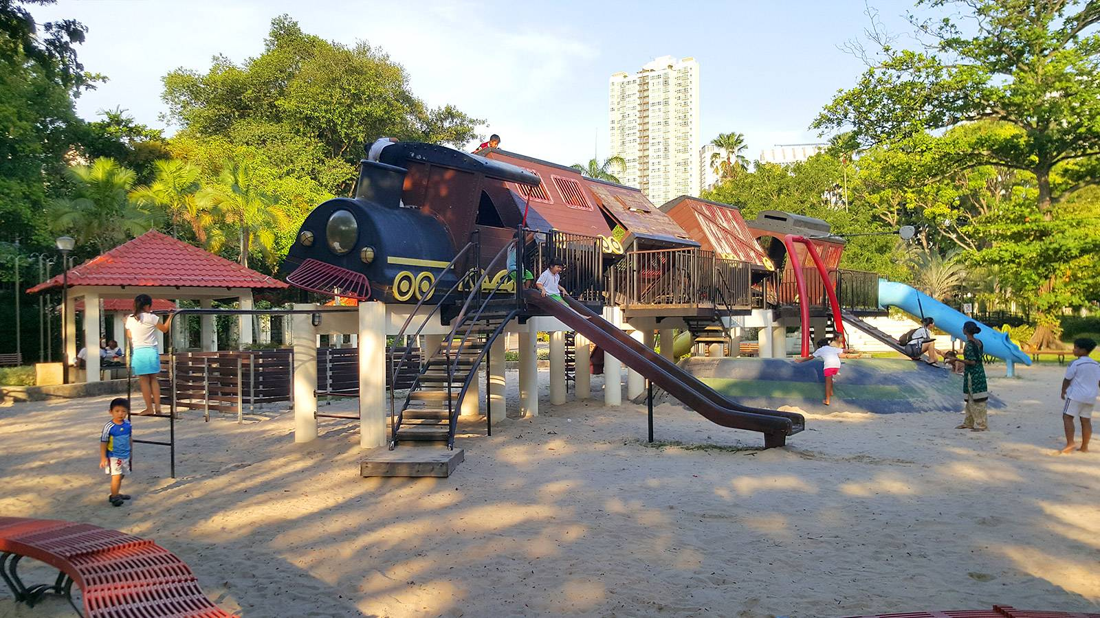 Tots-5-fab-and-free-playgrounds-junior-will-love-TIONG-BAHRU
