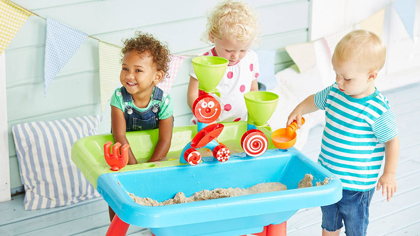 Tots-BUYER'S-GUIDE-Best-sensory-toys-for-your-tot-ELC-TABLE