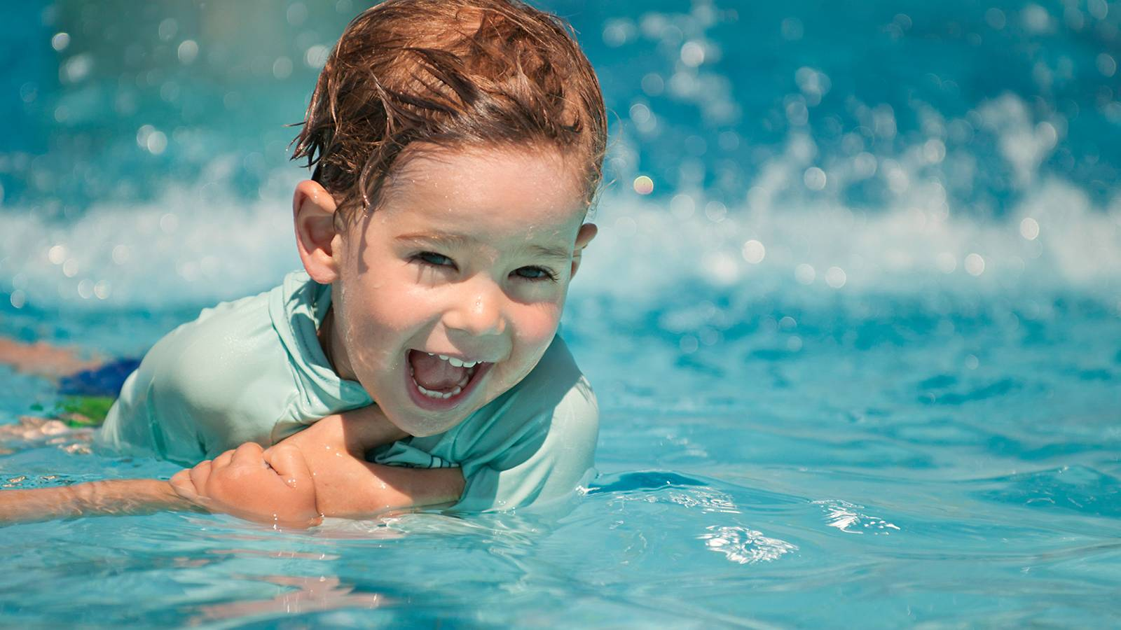 Tots-BUYER'S-GUIDE-11-swim-essentials-for-your-tot (1)