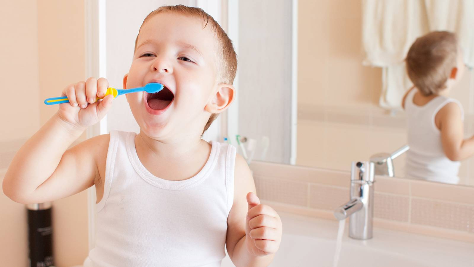 Tots-6-ways-to-make-toothbrushing-fun-for-junior-[Infographic]-Main