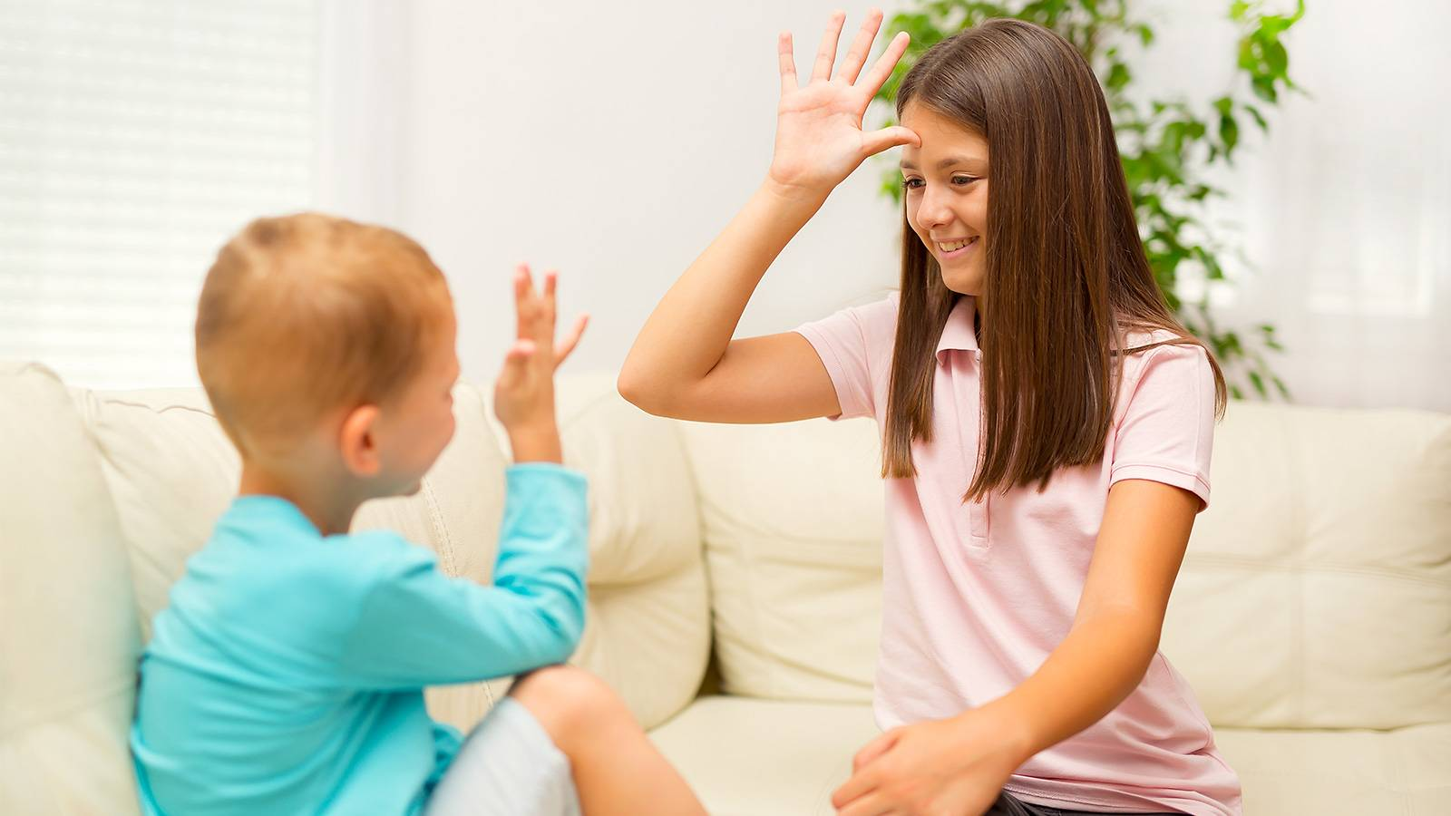 Kids-6-ways-to-talk-to-junior-about-someone's-disabililty-MAIN