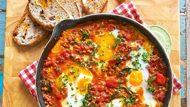 Make it: Easy-to-make eggs in spicy tomato sauce