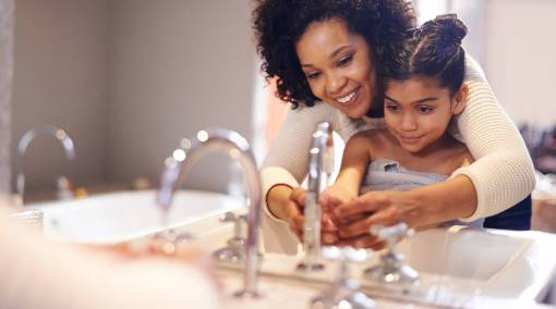 Tots--Protect-your-kid-from-germs-―-wash-hands-main