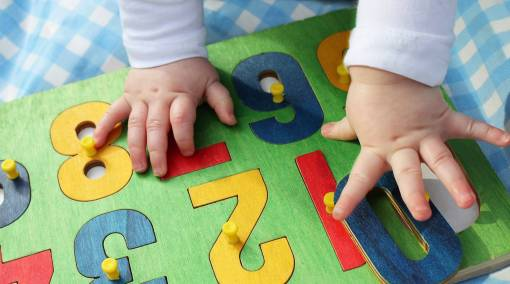 Babies--Track-your-baby's-milestones-—-Age-appropriate-toys-2