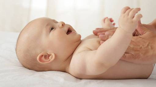 Babies--Baby-massage-5-methods-to-try-main