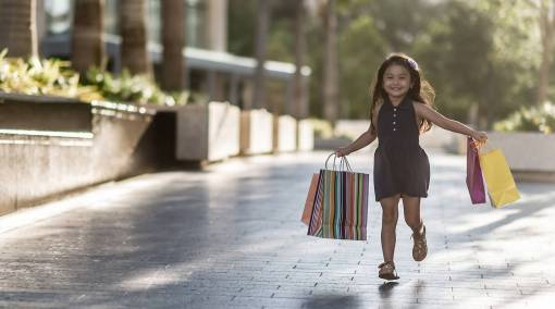 Kids-8-ways-to-raise-a-non-materialistic-child-1