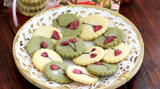 Make-it-3-cookie-recipes-to-bake-with-junior-almond shortbread