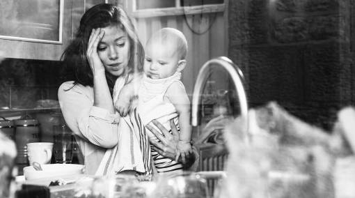 Parents-6-ways-to-spot-postnatal-depression-1