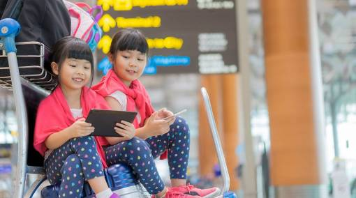 Parents-Top-travel-hacks-for-families-with-kids-main