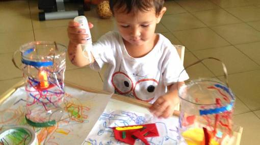 MUM SAYS Kid's crafts = Messy but fun