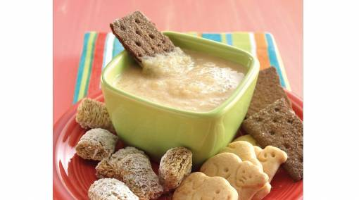 Tots-Make-it-3-yummy-power-breakfasts-for-junior-creamy-apple-sauce-dip