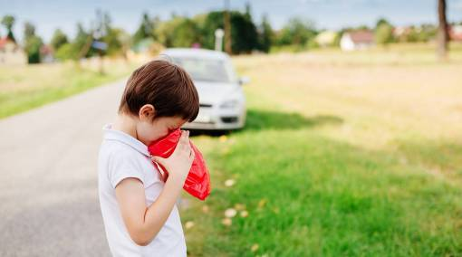 Toddlers-[SPB-#3-p38-Rep'd]-9-ways-to-prevent-motion-sickness-in-your-child-MAIN