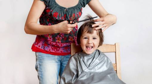 Tots-How-to-cut-your-toddler's-hair-yourself-[Infographic]-MAIN